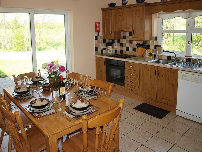 Die Küche im Brook Cottage Ferienhaus Kilfenora Burren Co. Clare Irland