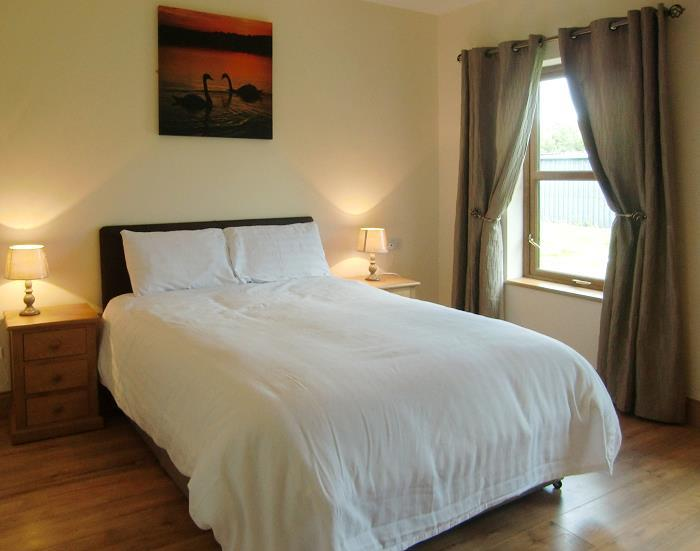 die schlafzimmer im caherush lodge quilty spanish point co clare irland. Black Bedroom Furniture Sets. Home Design Ideas