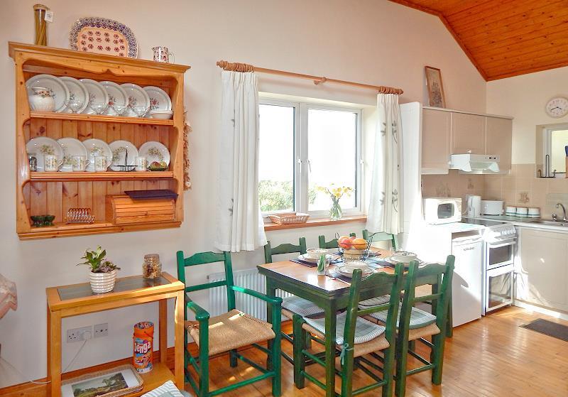 wohnen im cliffview cottage doonbeg co clare irland. Black Bedroom Furniture Sets. Home Design Ideas