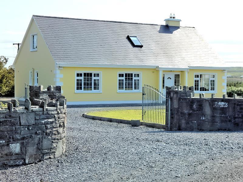 ferienhaus bei doolin lisdoonvarna co clare irland ferienh user in irland. Black Bedroom Furniture Sets. Home Design Ideas
