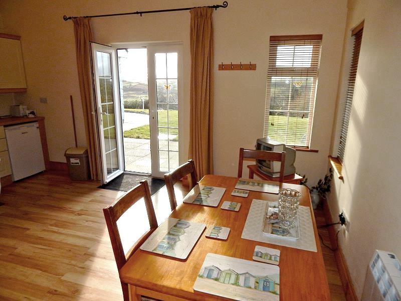wohnen im mountain view cottage kilmeena westport co mayo ferienh user irland. Black Bedroom Furniture Sets. Home Design Ideas