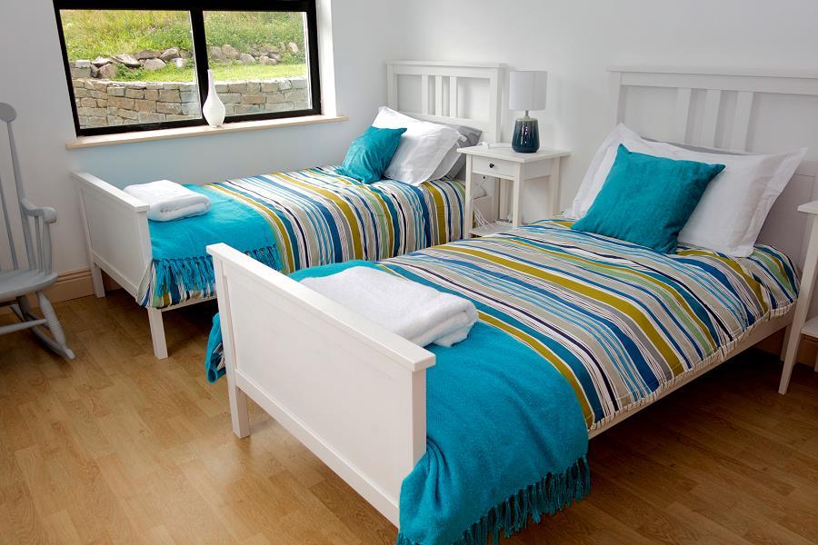 Schlafen im ocean view cottage louisburgh connemara mayo for Billige einzelbetten