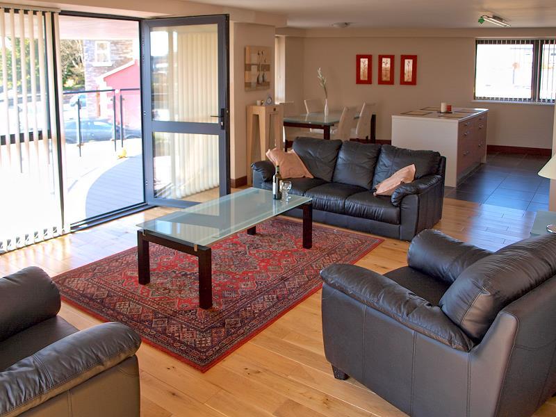 wohnen in der quay mills ferienwohnung kilrush co clare irland. Black Bedroom Furniture Sets. Home Design Ideas