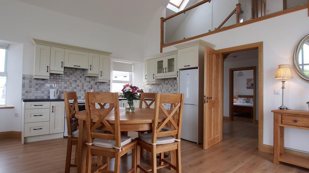 wohnen im whitestrand house doonbeg westclare ferienh user in irland. Black Bedroom Furniture Sets. Home Design Ideas